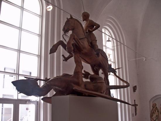 Dem Hans Brüggemann zugeschriebenen Drachentöter St. Jürgen (Georg)